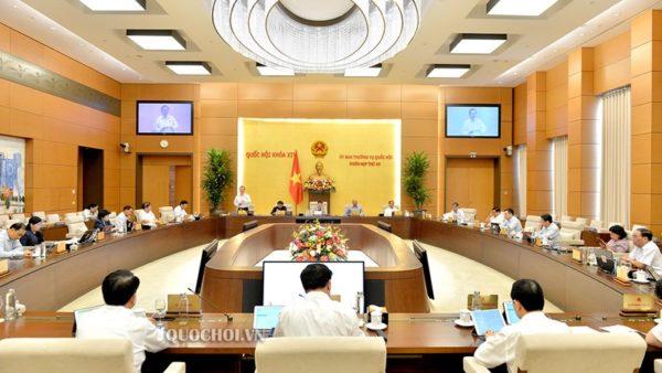 Uỷ ban Thường vụ Quốc hội nhất trí với đề xuất của Chính phủ về việc giảm 30% thuế TNDN cho một số doanh nghiệp theo tiêu chí về doanh thu và lao động. Nguồn: QH